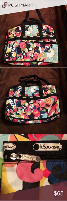 """NEW NEVER USED LeSportsac Printed Weekender Bag New LeSportsac Printed Weekender Bag W/Small Accessory Bag. It has 4"""" flat top handles & a Removable Adjustable Shoulder Strap w/a 16"""" Strap Drop. Only taken out of bag for pictures. 2 way zip top closure, 4 exterior zip pockets. The matching accessories bag measures 7.5""""H x 9""""W. Great for camping, going to the beach. Holds a lot of stuff. I paid $150 for it, posted a pic showing them on sale @ 25% off which is still double what I'm charging so…"""