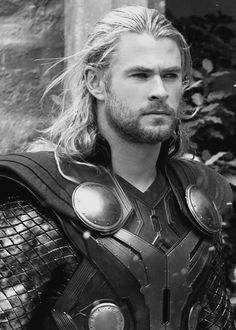 ~Chris Hemsworth as Thor~  Even in Black & White he's Flawless <3