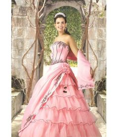 I want to be a princess and I want to wear this!!