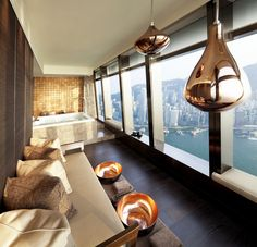 Gay holidays in upper class – Hong Kong getaway. The SPA by ESPA, the exclusive treatment room for couple at The Ritz Carlton Hong Kong. Keep on reading at www.gaytraveladvice.com