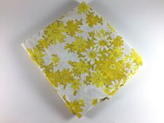 Vintage Flower Double Bed Flat Sheet Retro Yellow Olive Green White Floral Fabric Linens Bedding Bedroom Decor - pinned by pin4etsy.com