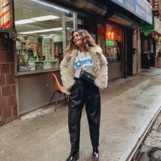 Sara Escudero (@collagevintage) • Fotos y videos de Instagram Fashion Outfits, Fashion Clothes, Fashion Fashion, Womens Fashion, Fashion Ideas, Fashion Tips, Collage Vintage, Summer Dress Outfits, Vintage Tees