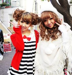Gyaru- i love love love the red and black outfit