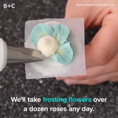 Frosting flowers are SO memorizing. Frosting flowers are SO memorizing. Frosting Techniques, Frosting Tips, Frosting Recipes, Dessert Recipes, Cake Icing, Eat Cake, Cupcake Cakes, Cupcake Frosting, Wilton Cakes