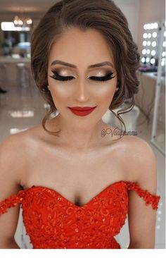 Must Have 80 Makeup Ideas to Try in 2019 - - Must Have 80 Makeup Ideas to Try in 2019 Beauty Makeup Hacks Ideas Wedding Makeup Looks for Women Makeup Tips Prom Makeup ideas Cut Natural Makeup Hal. Pageant Makeup, Homecoming Makeup, Prom Makeup Red Dress, Makeup Looks For Red Dress, Makeup For Prom, Graduation Makeup, Prom Hair, Makeup 2018, Red Lip Makeup