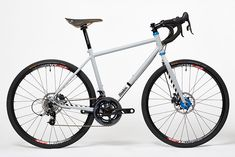 Donhou Cycles x Middle of Nowehere. Rebecca Kaye's Gravel Racer