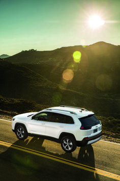 Discover the New 2019 Jeep Cherokee Explore the striking new exterior look, increased interior storage, premium interior, towing capabilities and more. Jeep Cherokee 4x4, Grand Cherokee Srt8, Washington State Counties, Collision Repair, Mid Size Suv, Auto Body Repair, Exterior