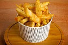 Fast Food selbstgemacht mit ganz wenig Fett? Kein Problem mit diesem schönen Rezept für frische Ofen-Pommes.