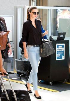 Miranda Kerr Photos - Miranda Kerr looks gorgeous as she arrives at LAX (Los Angeles International Airport). - Miranda Kerr Arrives in LA — Part 2 Miranda Kerr Outfits, Miranda Kerr Style, Girl Fashion, Fashion Outfits, Casual Work Outfits, Western Wear, Casual Chic, Celebrity Style, Skinny