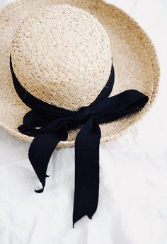 09158abec 20 Best hats <3 images | Costume Design, Dresses, Fascinators