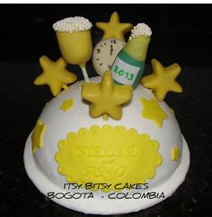 New year's cake decorated with cakepops New Year's Cake, Cakepops, Cake Cookies, Fudge, Caramel, Cake Decorating, Birthday Cake, Candy, Cooking Ideas