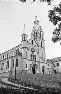 Igreja da Glória, Av. dos Andradas, em fevereiro de 1965 (foto autoria de Jorge Couri).