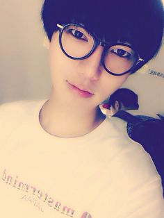 140722 Yesung Twitter Update: This way, then another (being fickle) .. ^^