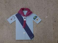 Camisa de Aventureros, se puede utilizar para colocar los honores para la investidura, o se le puede agregar una bolsa de papel, en la parte trasera, y colocar algun snack o regalitos para los Aventureros.