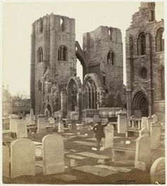George Washington Wilson | Elgin Cathedral; South Aisle, George Washington Wilson, c. 1855 - c. 1862 |