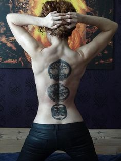 Cant wait until my back is this cut and defined