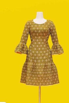 African Fashion Dresses, African Dress, Fashion Outfits, Simple Dresses, Nice Dresses, Short Dresses, Thai Dress, Silky Dress, Batik Dress