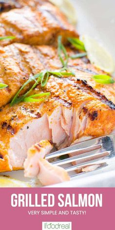 Juicy and flaky Grilled Salmon with simple seasoning in 30 minutes. Cooking salmon on the grill is e Grilled Salmon Recipes, Tilapia Recipes, Veggie Recipes, Cooking Recipes, Grilled Fish, Grilled Seafood, Veggie Food, Seafood Recipes, Bread Recipes