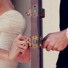 A must have wedding picture! www.sandimentalmemories.com #sandimentalmemories