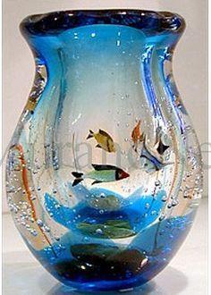 Murano Glass Art ca Blown Glass Art, Art Of Glass, Glass Aquarium, Murano Glass Vase, Vase Design, Wooden Vase, Glass Figurines, Objet D'art, Flower Vases