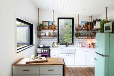 In 560 Square Feet, the Colorful Home of Small Space Dreams