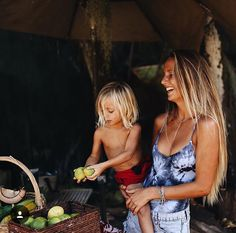 Boho Mama :: Pregnancy Style :: Bohemian Baby :: Hippie Spirit :: Gypsy Soul :: See more Fashion Photography + Family Inspiration Baby Family, Family Kids, Surfer Baby, Little Presents, Ohana Means Family, Beach Babe, Summer Beach, Trophy Wife, Family Goals