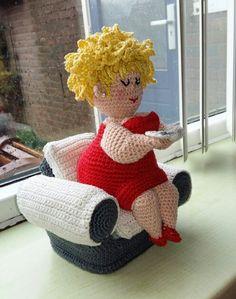 oznur icyer's media content and analytics Crochet Giraffe Pattern, Crochet Dolls Free Patterns, Amigurumi Patterns, Crochet Designs, Crochet Animals, Crochet Toys, Knit Crochet, Freeform Crochet, Knitted Dolls