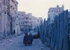 Sana'a Yemen 1995 by photographer Guillaume Adam (@gumoad) has been chosen by to be a part of The Print Swap by Feature Shoot. All photographers are welcome to apply to @theprintswap simply by tagging their photos #theprintswap. All winning photographers will both give and receive a print. Part of the fun is that winning prints are mailed randomly so its always a surprise. Prints are made by @skink_ink and we cover shipping costs. Its free to apply though winners pay a one-time fee of $40 to…