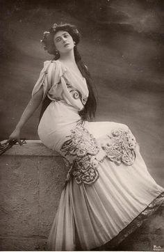La Belle Otéro, une des grandes horizontales du début du siècle