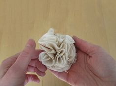 Tutoriel DIY: Coudre des fleurs romantiques en tissu via DaWanda.com