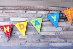 16 Simple Sewing Projects You Can Make With Scrap Fabric – Ideal Me Birthday Banner – simple sewing projects Create A Banner, How To Make Banners, Diy Banner, Diy Birthday Sign, Happy Birthday Banners, Birthday Garland, Birthday Wishes, Easy Sewing Projects, Sewing Crafts