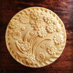 Pie crust designs to try. Pie Dessert, Dessert Recipes, Just Desserts, Delicious Desserts, Beautiful Pie Crusts, Pie Crust Designs, Pie Decoration, Pies Art, Pie Tops