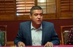 <p>Chihuahua, Chih.- El presidente del Colegio de Periodistas Ángel Zubía García realizó una queja sobre el trato que se ha estado