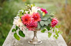 Colourful flowers Gold vase