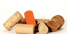 Υγεία - Ένα έπιπλο, πόσο μάλλον αν είναι ξύλινο, μπορεί πολύ εύκολα να γρατζουνιστεί. Δείτε τι μπορείτε να κάνετε για… να εξαφανίσετε κάθε είδους γρατζουνιά από τα Cleaning Hacks, Sweet Potato, Vegetables, Health, Food, Clever Tips, Organize, Homes, Diy