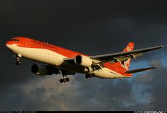 Boeing 767-338/ER Australian Airlines, Commercial Aircraft, Aircraft Pictures, Aviation, Airplanes, Queens, Sky, Life, Heaven