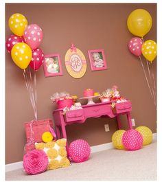 Love the balloons :)