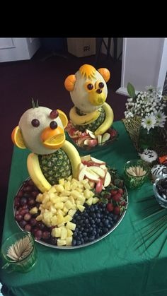 fruit display for jungle baby shower. display ideas for party buffet Monkey fruit display for jungle baby shower.Monkey fruit display for jungle baby shower. display ideas for party buffet Monkey fruit display for jungle baby shower. Deco Baby Shower, Baby Shower Fruit, Baby Shower Parties, Monkey Themed Baby Shower, Jungle Theme Baby Shower, Monkey Baby Showers, Boy Shower, Jungle Baby Showers, Baby Shower Buffet