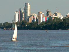 ¿Conoces la ciudad de Rosario? En el presente artículo te mostramos a la cuna de la Bandera Argentina. http://www.lugaresdemipais.com/sin-categoria/porque-conocer-rosario.htm
