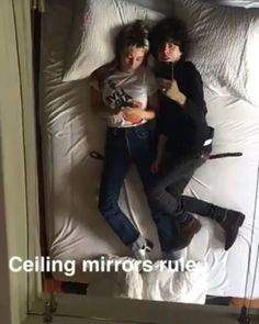 They love us! ❤❤❤ #lp #laurapergolizzi #iamlp #iamlpofficial #laurenruthward #chilling #bed #couple #weloveyou #lpfanclubpl #lppoland #lpfanclub #snapchat #video