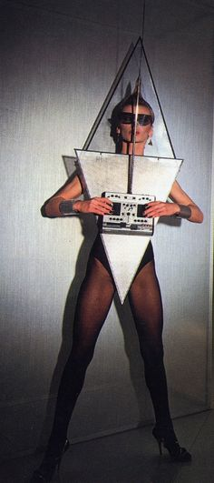plastic music metal awesomeness | silver + clear triangles / diamond avant-garde stereo outfit
