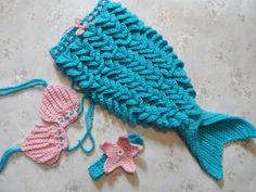 Sereia de crochê para ensaio fotográfico. <br>Cor:turquesa com rosa.Pode ser encomendado em outras cores. <br>Tamanho RN.Para outros tamanhos consulte o valor e disponibilidade.