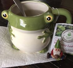 Keramik Design, Frog And Toad, Paperclay, Cute Mugs, New Wall, Clay Crafts, Diy Clay, Clay Art, Aesthetic Pictures