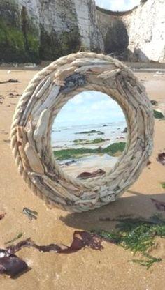 HomelySmart 30 Innovative Driftwood Interior decoration Tips - HomelySmart Driftwood Mirror, Diy Mirror, Driftwood Wreath, Rope Mirror, Driftwood Projects, Driftwood Furniture, Deco Nature, Nautical Design, Beach Crafts