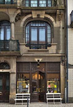 ESPAÇOS PÚBLICOS - OITOEMPONTO - Architecture & Interiors