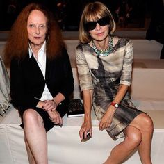 Anna wintour and grace coddington front row for the donna karan collection at the spring 2011 new york fashion week. grace has been by anna wintor's (the Grace Coddington, Isabella Blow, Anna Dello Russo, Vogue Fashion, New York Fashion, Ladies Fashion, London Fashion, Anna Wintour Style, Hollywood