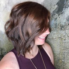 Get info about long bob hairstyles and short bob haircuts, very long bob, short edgy bob and many more. Get some tips and tricks about these bob haircuts. Short Layered Bob Haircuts, Bob Haircuts For Women, Thin Hair Haircuts, Bob Hairstyles For Fine Hair, Hairstyles Haircuts, Crazy Hairstyles, Layered Hairstyles, Black Hairstyles, Undercut Bob Haircut