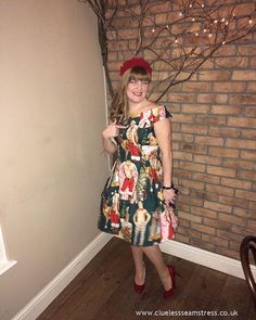 Christmas hunks dress - Simplicity 1418 in Alexander Henry Hurry Down the Chimney fabric