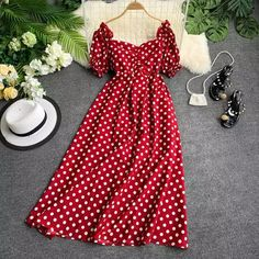Online Shop Ins V Neck Short Sleeve Close Waist Thin Casual Dress Women Dot Print Vintage Elegant Vestidos Edgy Outfits, Cute Casual Outfits, Curvy Outfits, Dress Outfits, Stylish Dresses For Girls, Frocks For Girls, Pretty Dresses, Beautiful Dresses, Fancy Robes