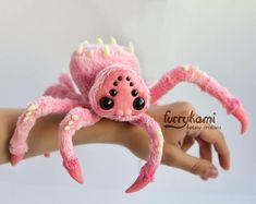 cute spider poseable art toy by Furrykami by Furrykami-creatures - Plushies Toy Art, Cute Stuffed Animals, Cute Animals, Cute Fantasy Creatures, Plushie Patterns, Softie Pattern, Stuffed Toys Patterns, Spider Art, Cute Plush